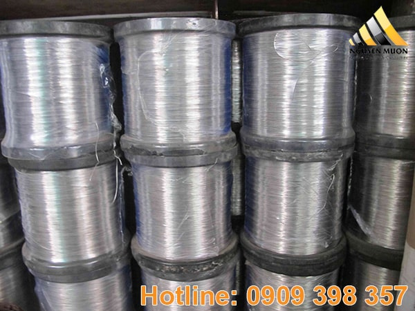 Dây Inox 316 là loại thép Austenit có chứa Crom, niken và 3% molypden.