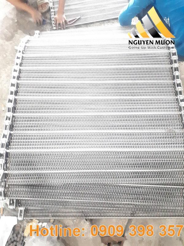 Đây là sản phẩm được chế tạo từ các sợi kẽm, có thể linh động về mặt sản xuất cũng như vệ sinh dễ dàng.